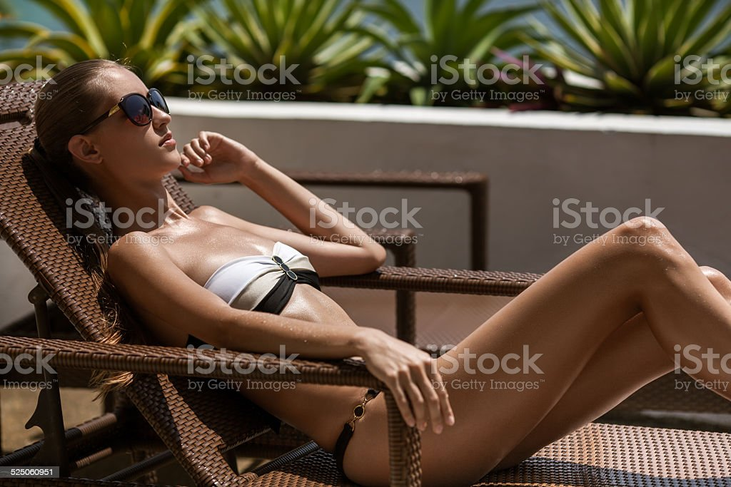 Keezmovies strip bikini