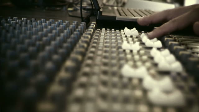 HD 35mm: mixing console video