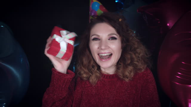 4k Party Birthday Woman Showing Happy Present video