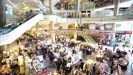 4K:Shopping people video