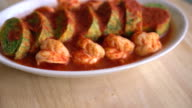 Accacia Leave Omelet and Shrimp in Tamarind Flavor Soup video
