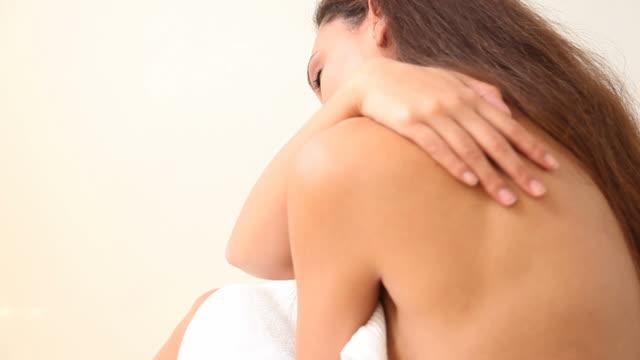 aching shoulder video