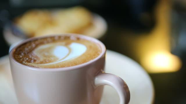 Add sugar to coffee video