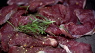 HD SLOW: Adin rosemery to the meat video