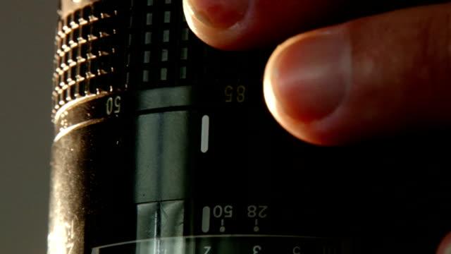 Adjusting lens -zoom ring video