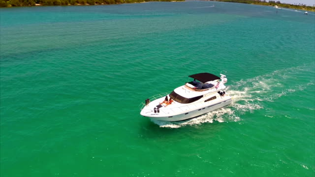 Aerial video of a yacht in Miami video