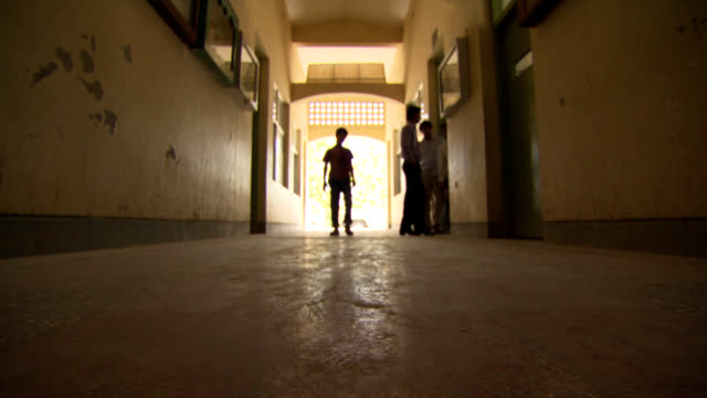 Afghanistan school. Hallway with students. video