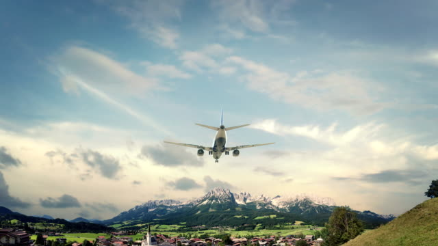 Airplane Landing Ellmau Austria video