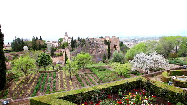 Alhambra fortress gardens video