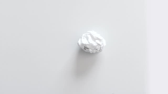 Animated paper ball video
