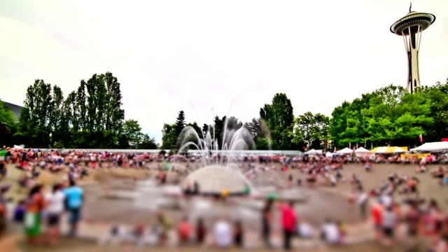 Anonymous Large Crowd Time Lapse Fountain video