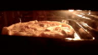 apple pie in the oven video