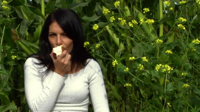 Apple Taste.. video
