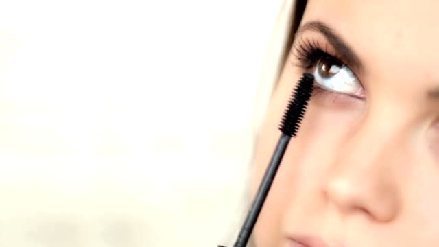 Applying Mascara video