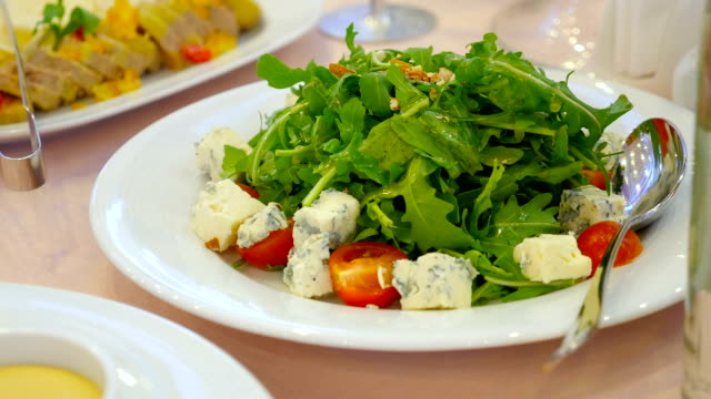 arugula salad with cherry tomatoes and cheese video