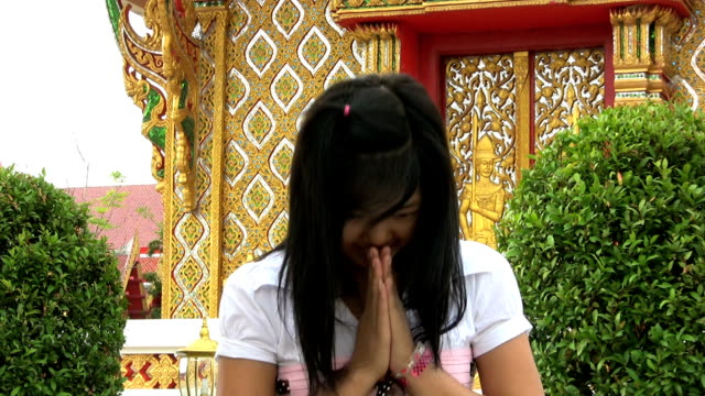 Asian Girl Doing Thai Style Greeting video