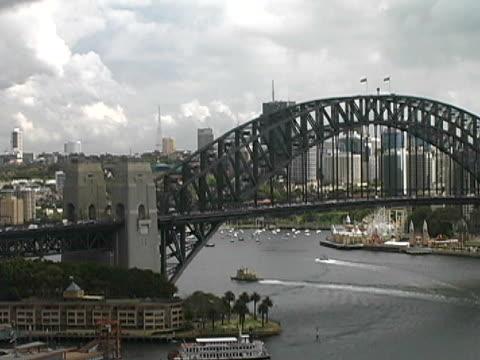 Australia: Sydney Harbour Bridge, Pull video