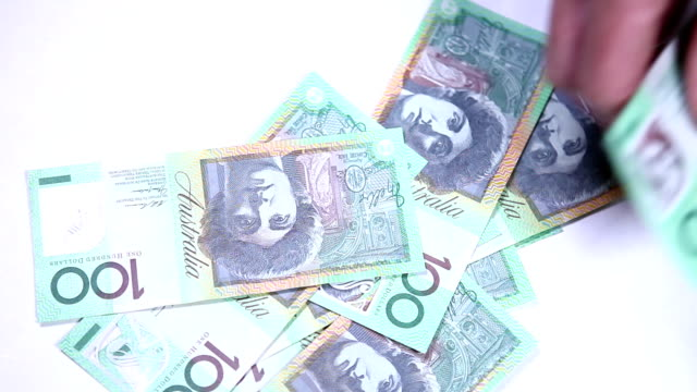 Australian 100 dollar bills notes HD video