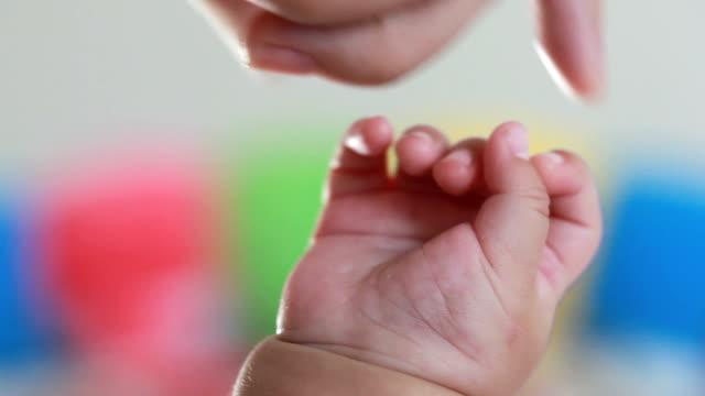 baby hand video