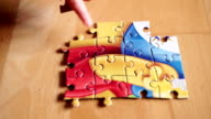 Baby Puzzling video