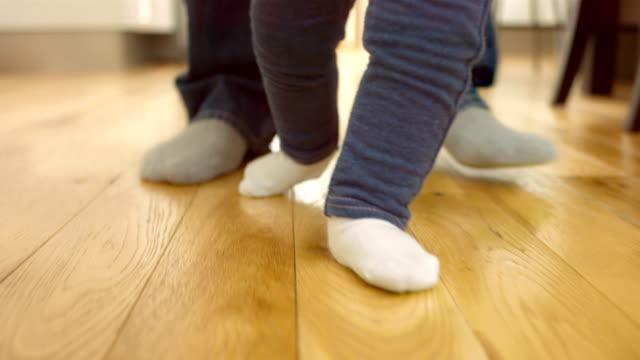 Baby Walk video