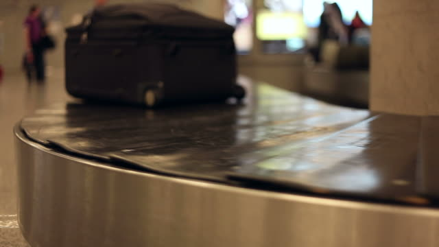 Baggage carousel video