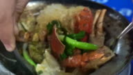Baked crabs with vermicelli in hot pot, Thai Chinese seafood dish video