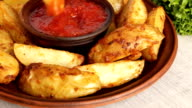 baked potato slices dipped in sauce video