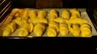 baking Croissant video