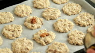 baking oatmeal cookies video