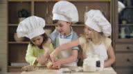 Baking Teamwork video