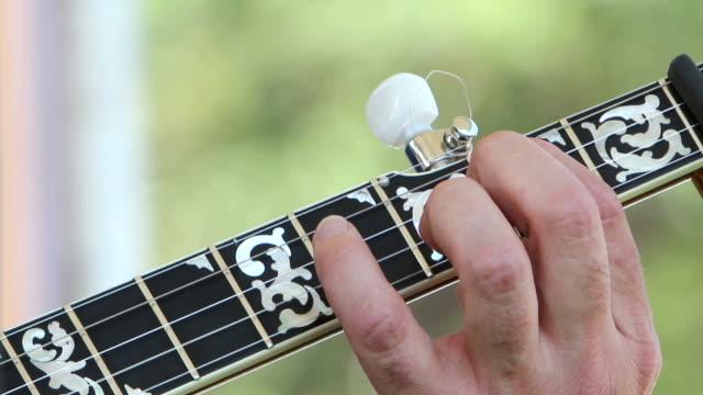 Banjo Fingering video