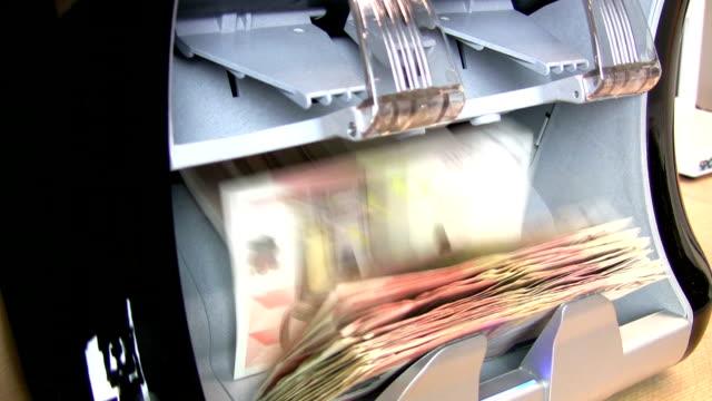 Bank counter machine video