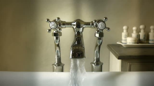 Bathtub tap video