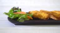 batter-fried prawns video