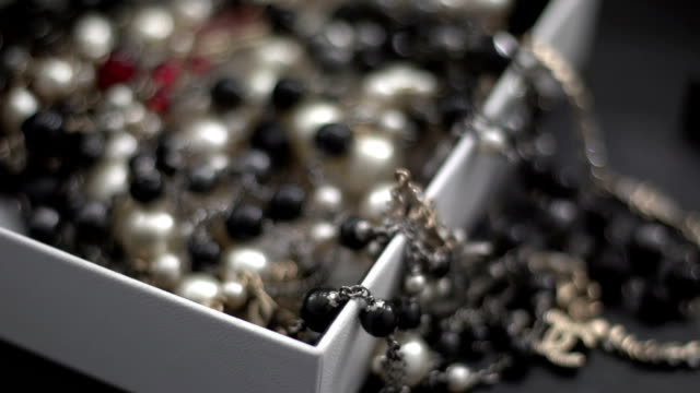 Beads in a box 3 video