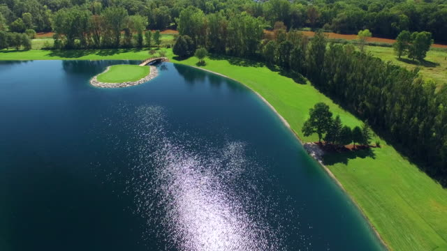 Beautiful and Challenging Island Green, Golf Course video