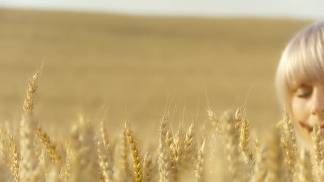 HD DOLLY: Beautiful Country Woman In The Wheat video