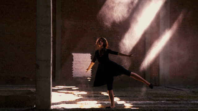 Beautiful Girl is Dancing in the Dust video