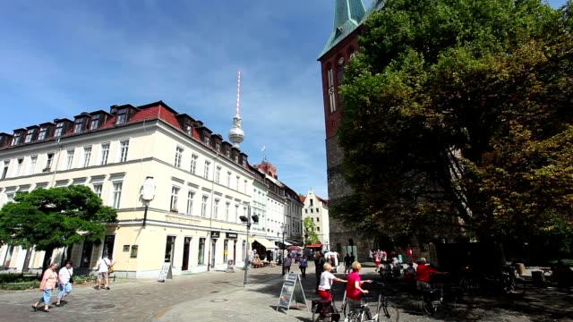 Berlin Nikolaiviertel video