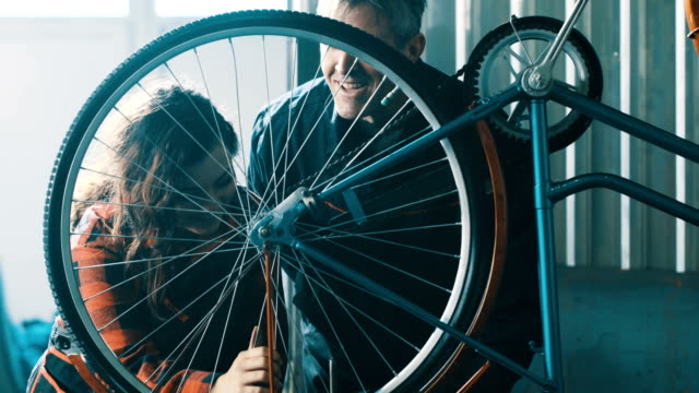 Bicycle Mechanic video