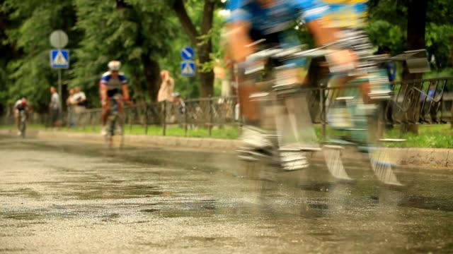 Bicycle Racing: Finish video