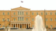 Big fountain in Syntagma or Constitution Square near Greek Parliament in Athens video