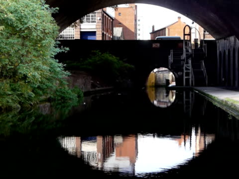 Birmingham and Fazeley Canal - Snow Hill Bridge video