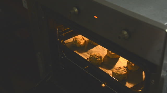 Biscuits in the Oven video