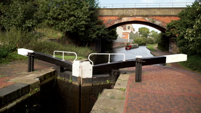 Boat heading toward Birmingham on the Grand Union Canal. video