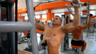 Body builder - Lat pulldown video