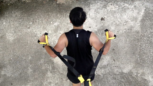 SLO MO Body Building Back Muscle with Rope Training video