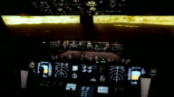 Boeing 737 NG cockpit evening approach - Flight Simulator video
