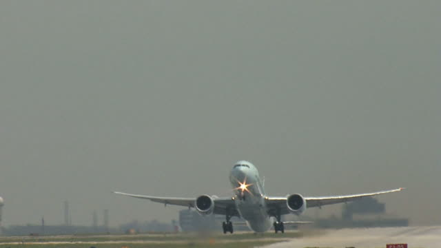Boeing 777 Airplane Takeoff Straight On video